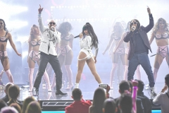 PLN Pitbull, Lil Jon, Chesca, John Travolta 4